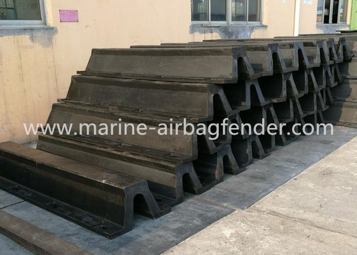 Anti - Aging Arch Rubber Marine Dock Bumpers Easy Installation For Port And Wharf